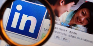 In China, LinkedIn must beat local rivals, win over loser workforce to avoid Google syndrome