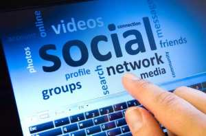 200987_quand-le-drh-utilise-twitter-pour-nourrir-le-dialogue-social-web-021189731202