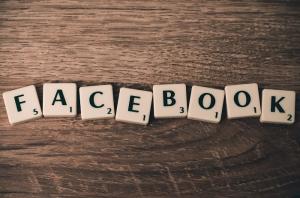 Facebook-scrabble-pixabay